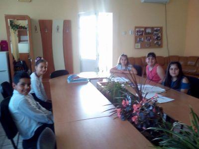 Ден на ученическото самоуправление - НУ П. Р. Славейков - Роман